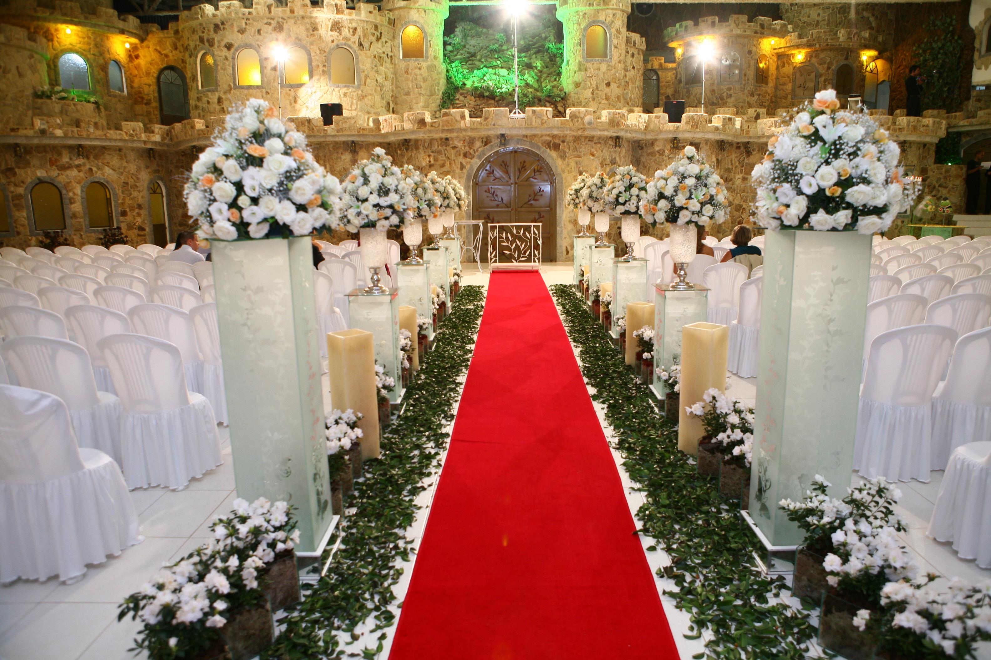 4 Dicas De Passadeiras Para Casamentos Praianos: Um Conto De Fadas Real: 10 Dicas Para Um Casamento